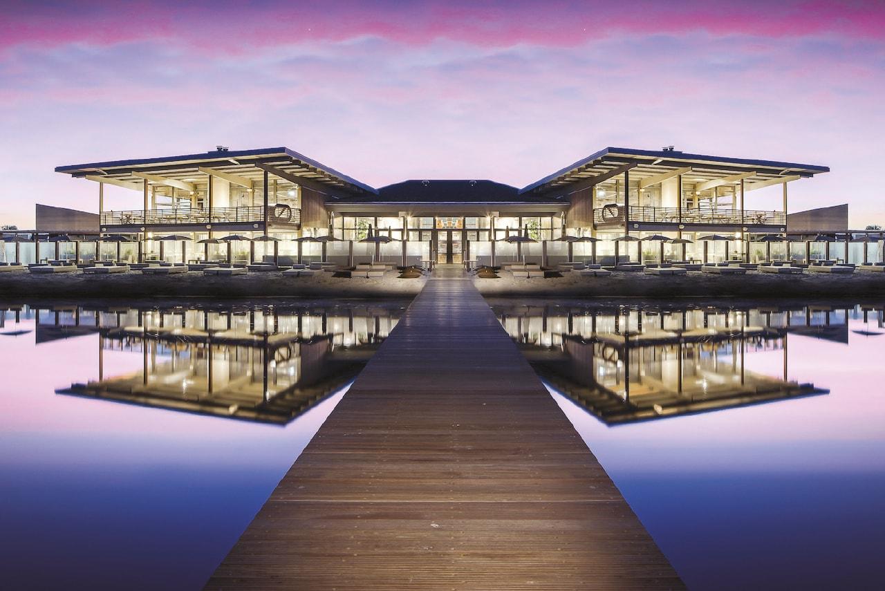 Bowers & Wilkins pone el ambiente en el Hotel Werelds aan het Strand Ouddorp, Países Bajos